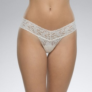 Hanky Panky Signature Lace Low Rise Thong Style #4911 - Marshmallow
